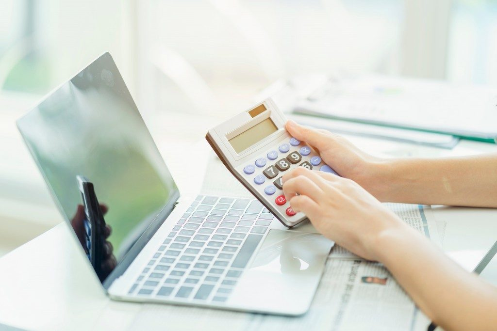 calculating finances with calculator