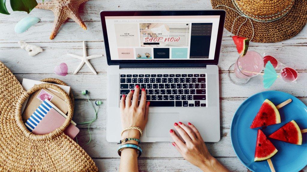 E-shopping Online Business Promotion Shopaholic Concept