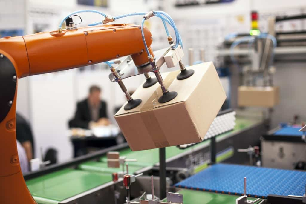 Robotic arm for packaging