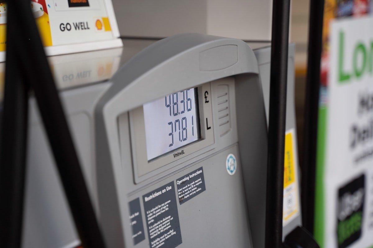 price of gasoline per liter